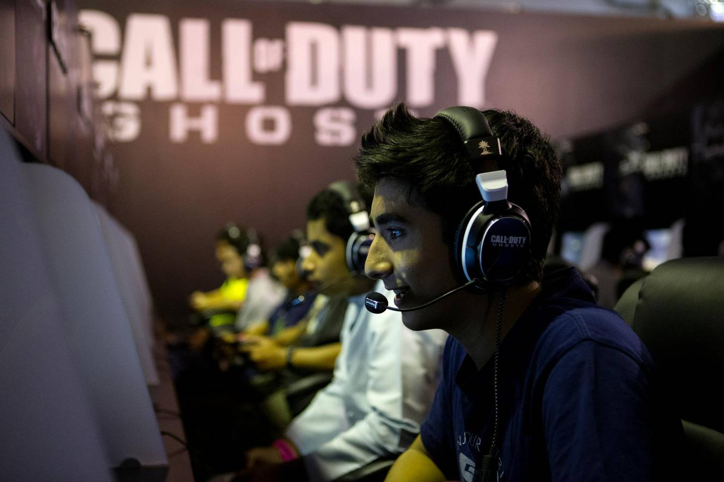 Dubai, United Arab Emirates, September 26, 2013:      Youngsters who waited up to three hours to try the new Call of Duty game play during Games 13 at the Dubai International Convention and Exhibition Centre in Dubai on September 26, 2013. Christopher Pike / The NationalReporter: Mohammed AlKhanSection: News *** Local Caption ***  CP0926-games13-009.JPG