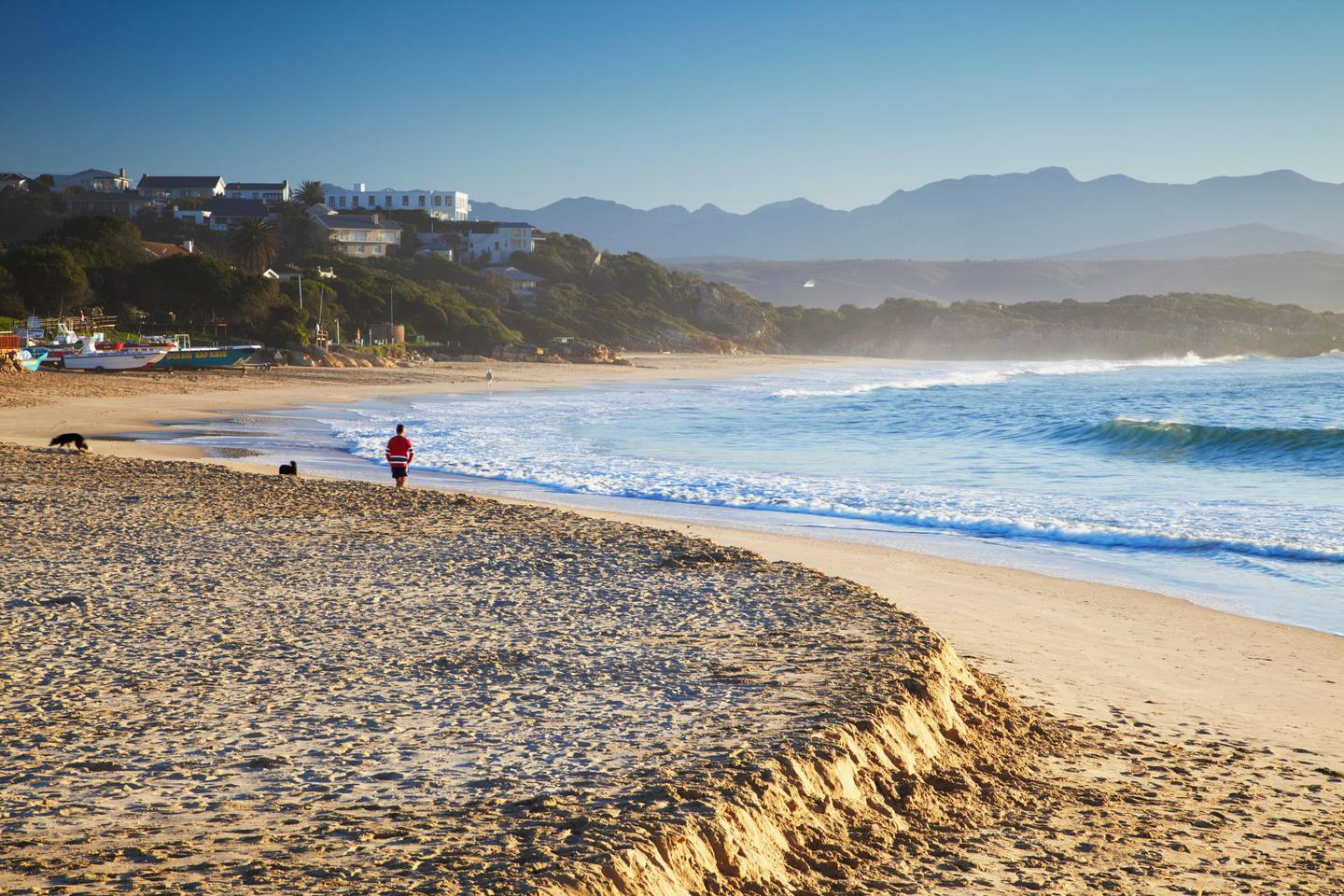 Plettenberg Bay beach at dawn, Western Cape, South Africa  (Getty Images) *** Local Caption ***  wk27ja-tr-south-africa02.jpg