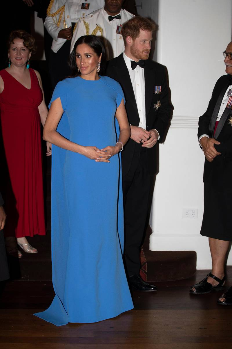 SUVA, FIJI - OCTOBER 23:  Prince Harry, Duke of Sussex and Meghan, Duchess of Sussex arrive for the State dinner on October 23, 2018 in Suva, Fiji. The Duke and Duchess of Sussex are on their official 16-day Autumn tour visiting cities in Australia, Fiji, Tonga and New Zealand. (Photo by Ian Vogler - Pool/Getty Images)