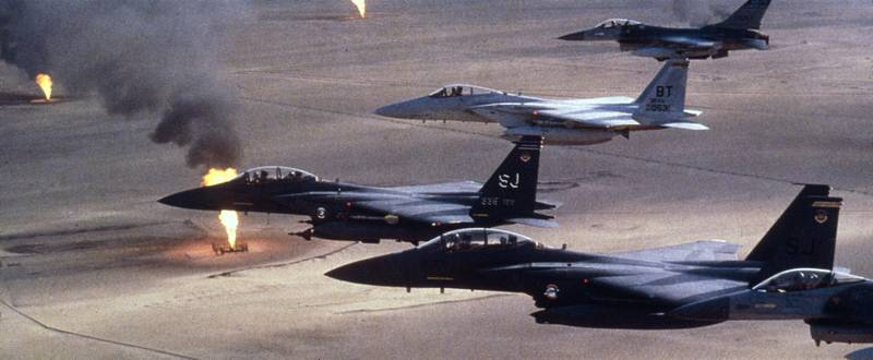 American airforce F-15 C fighters flying over a Kuwaiti oilfield which had been torched by retreating Iraqi troops during the Gulf War.   (Photo by MPI/Getty Images)