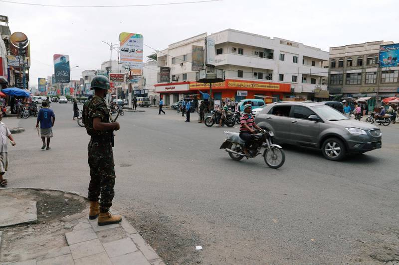 Police trooper stands guard on a street in the Red Sea port city of Hodeidah, Yemen February 13, 2019. REUTERS/Abduljabbar Zeyad