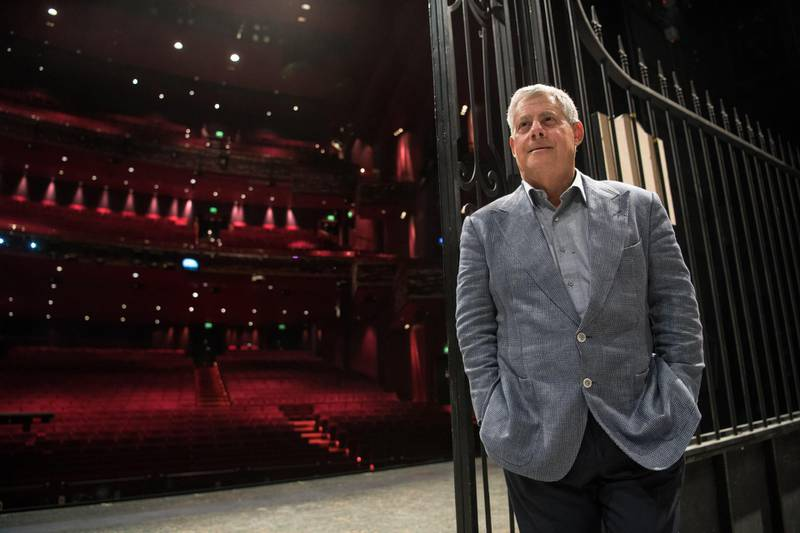 H5YE1J Stuttgart, Germany. 20th Oct, 2016. British theatrical and musical producer Cameron Mackintosh in the Apollo Theatre in Stuttgart, Germany, 20 October 2016. (Marijan Murat/dpa picture alliance / Alamy Stock Photo) *** Local Caption ***  al01ma-stage-mackintosh.jpg
