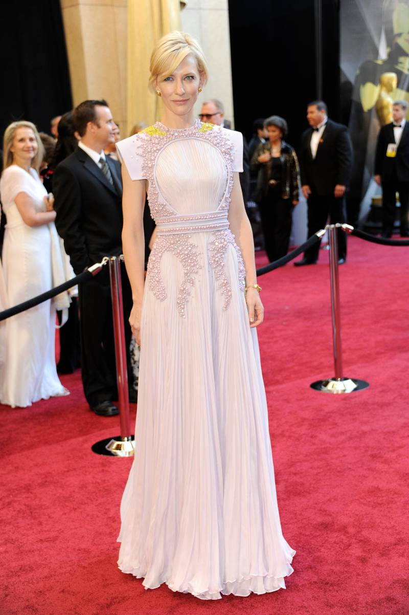 epa02606443 Australian actress Cate Blanchett arrives for the 83rd annual Academy Awards at the Kodak Theatre in Hollywood, California, USA 27 February 2011. The Oscars are presented for outstanding individual or collective efforts in up to 25 categories in filmmaking.  EPA/MIKE NELSON