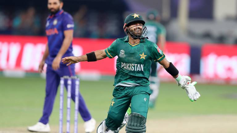 An image that illustrates this article India v Pakistan ratings: Kohli 8, Rohit 0; Rizwan and Afridi 9.5, Azam 9