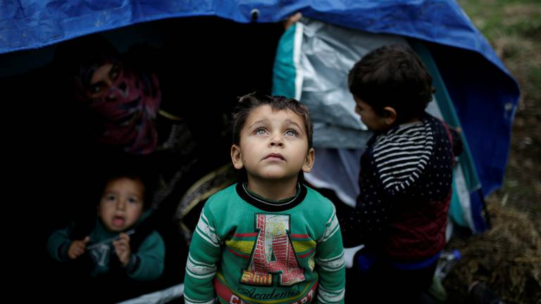 An image that illustrates this article Fears 20,000 refugee children could miss schooling in Greece