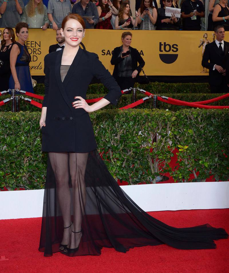 epa04584977 US actress Emma Stone arrives at the 21st annual Screen Actors Guild Awards ceremony at the Shrine Auditorium in Los Angeles, California, USA, 25 January 2015.  EPA/PAUL BUCK