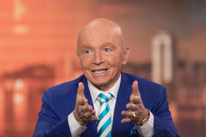 Mark Mobius, executive chairman of Templeton Emerging Markets Group, speaks during a Bloomberg Television interview in Hong Kong, China, on Friday, Jan. 26, 2018. Emerging-market equities will climb to a new high this year amid stronger currencies and higher commodity prices, Mobiussaid in his final interview before retiring next week. Photographer: Justin Chin/Bloomberg