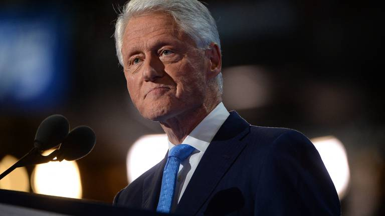 An image that illustrates this article Bill Clinton leaves hospital after treatment for infection