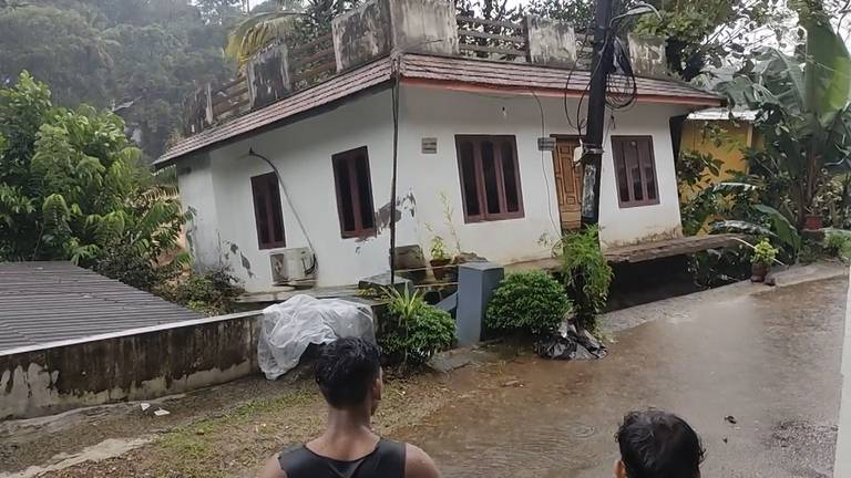 An image that illustrates this article Climate change and human activity blamed for tragic floods in Kerala