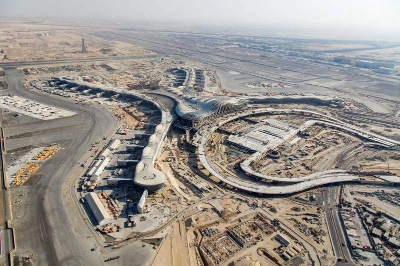 Construction of Midfield Terminal of Abu Dhabi Airport. Courtesy H.G. Esch