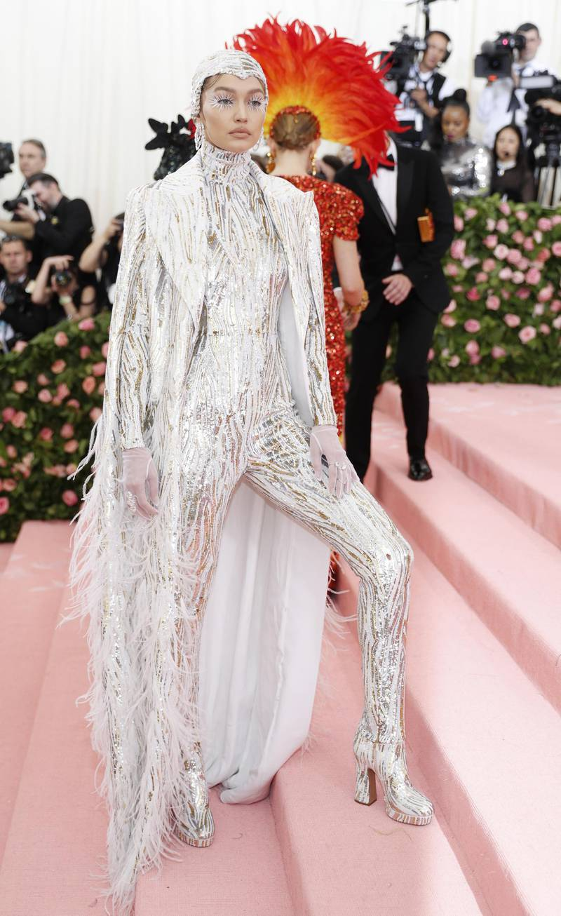 epa07552323 Gigi Hadid arrives on the red carpet for the 2019 Met Gala, the annual benefit for the Metropolitan Museum of Art's Costume Institute, in New York, New York, USA, 06 May 2019. The event coincides with the Met Costume Institute's new spring 2019 exhibition, 'Camp: Notes on Fashion', which runs from 09 May until 08 September 2019.  EPA-EFE/JUSTIN LANE