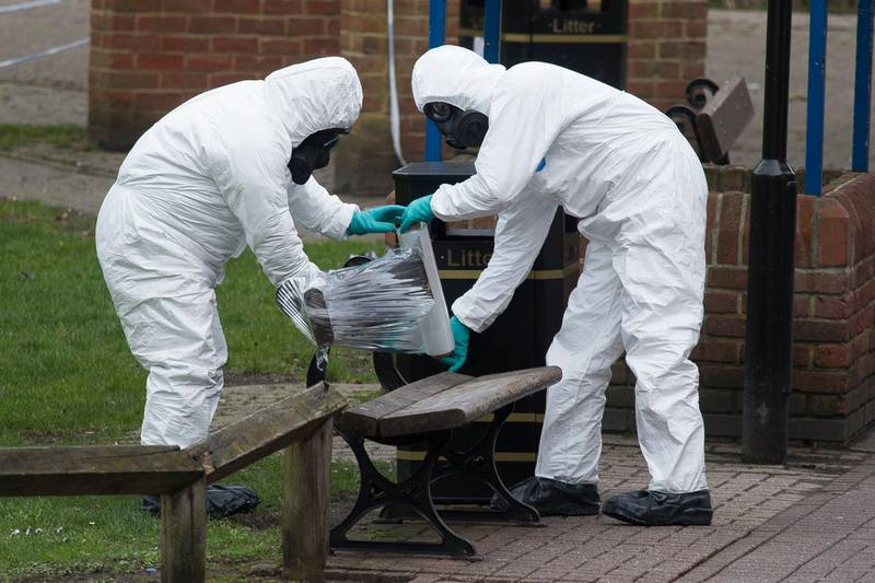 epa06623858 Army officers remove the bench, where Sergei Skripal and his daughter were found, in Salisbury, Wiltshire, Britain, 23 March 2018. Former Russian spy Sergei Skripal, who lived in Salisbury and his daughter Yulia were found suffering from extreme exposure to a rare nerve agent in Salisbury on 04 March 2018. Skripal and his daughter Yulia remain in a 'very serious' condition.  EPA/WILL OLIVER