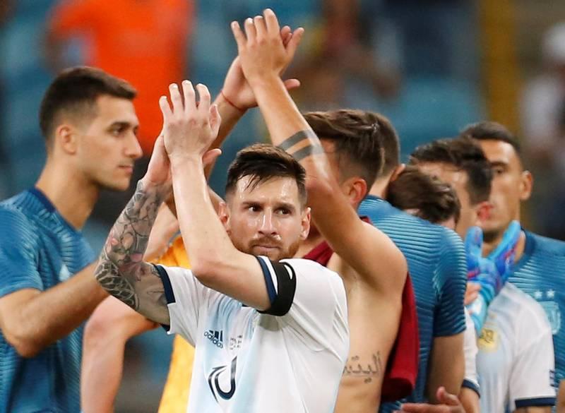 Soccer Football - Copa America Brazil 2019 - Group B - Qatar v Argentina - Arena Do Gremio, Porto Alegre, Brazil - June 23, 2019   Argentina's Lionel Messi applauds fans after the match      REUTERS/Diego Vara
