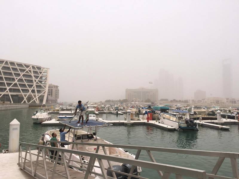 ABU DHABI, UNITED ARAB EMIRATES. 13 MAY 2018. Dust storm across the UAE. (Photo: Antonie Robertson/The National) Journalist: Standalone. Section: National.