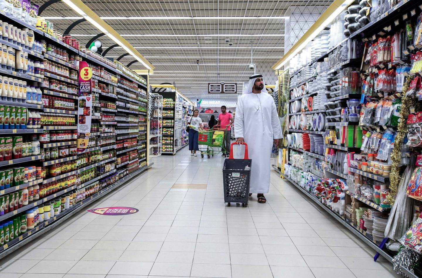 Abu Dhabi, United Arab Emirates, March 19, 2020.  Shoppers doing their groceries at the Lulu Hypermarket at Mushriff Mall during the Covid-19 pandemic.Victor Besa / The NationalReporter:   Dasn SandersonSection:  NA