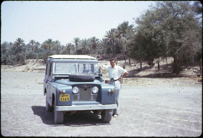 Abu Dhabi, Trucial States (1962/1964) A much younger David Riley in Al Ain, Buraimi Oasis, Abu Dhabi. Photo by David Riley