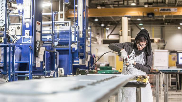 An image that illustrates this article Abu Dhabi gives manufacturers a boost with smart initiative