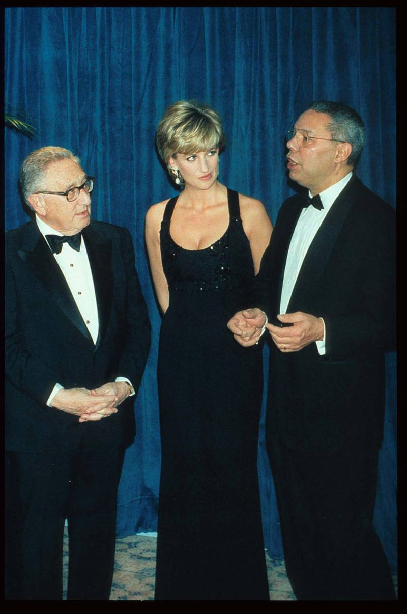 248217 01: Lady Diana Spencer stands with Henry Kissinger and General Colin Powell at the 41st annual United Cerebral Palsy Awards gala December 11, 1995 in New York City. Lady Diana, the Princess of Wales, received the UCP Humanitarian Award at the fundraising evening. (Photo by Pool/Liaison)