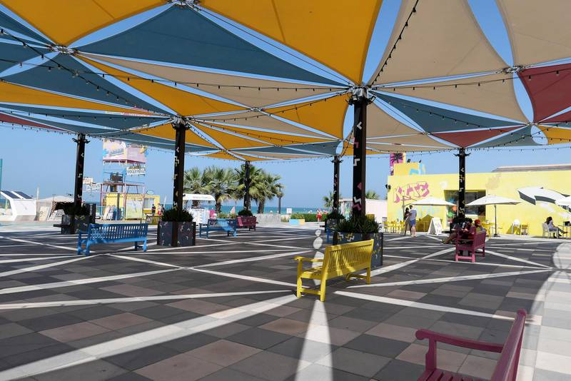 DUBAI, UNITED ARAB EMIRATES , Feb 08 – Market and restaurant area at the Kite beach in Umm Suqeim area in Dubai. (Pawan Singh / The National) For News/Stock/Online/Instagram. Story by Georgia