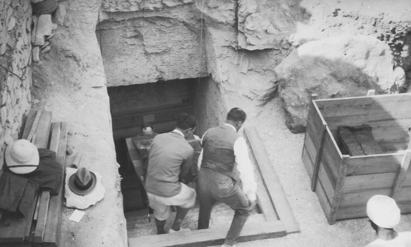 Crates are brought out of the newly-discovered tomb of Tutankhamun in the Valley of the Kings, Luxor, circa 1923. (Photo by Hulton Archive/Getty Images)