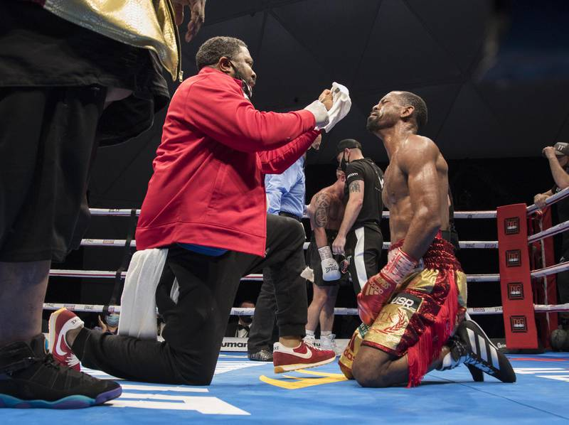 Dubai, United Arab Emirates - Jamel Herring of USA wiing over  Carl Framptonn of Northern Ireland at the Rotunda, Ceasar's Palace, Bluewaters Island, Dubai.  Leslie Pable for The National
