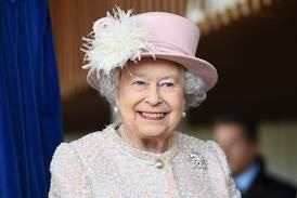 Recovering British queen withdraws from Cop26