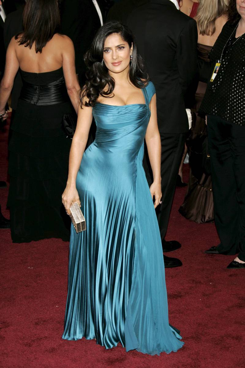 epa00660611 Actress Salma Hayek poses on the red carpet during the 78th annual Academy Awards in Hollywood,  California, Sunday, 05 March 2006.  EPA/DANNY MOLOSHOK