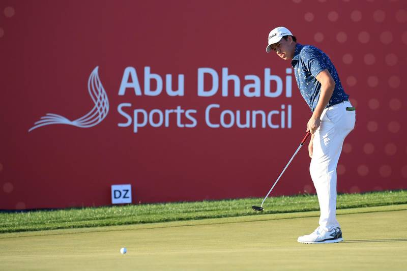 ABU DHABI, UNITED ARAB EMIRATES - JANUARY 16: Josh Hill of England putts on the eighteenth green during Day One of the Abu Dhabi HSBC Championship at Abu Dhabi Golf Club on January 16, 2020 in Abu Dhabi, United Arab Emirates. (Photo by Ross Kinnaird/Getty Images)