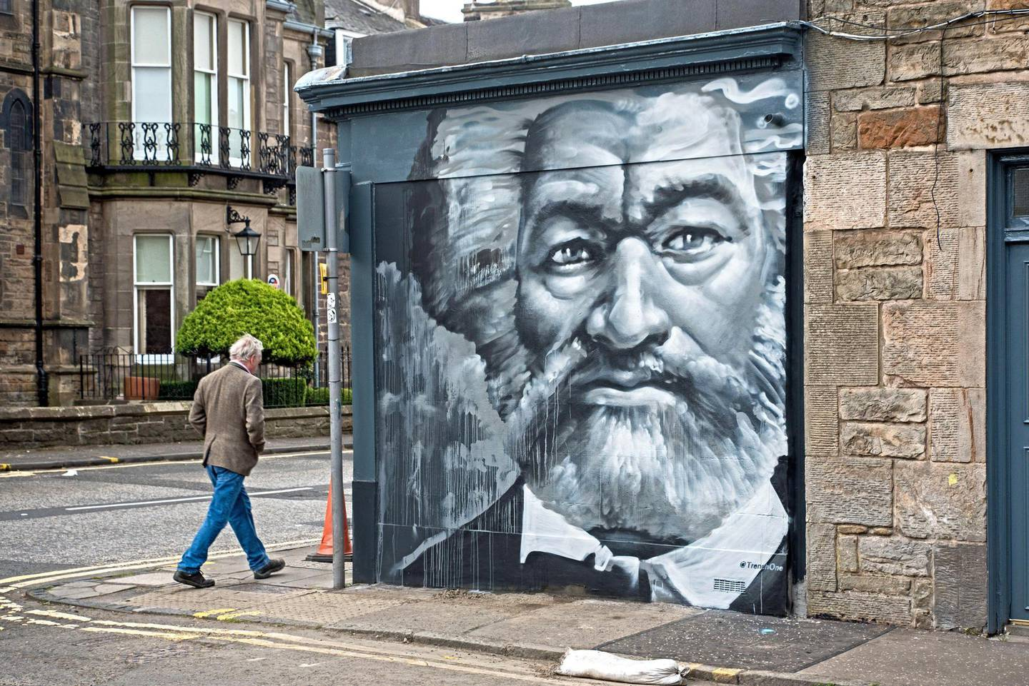2CX0JXW Portrait of Frederick Douglass (1818-95),  an American social reformer, abolitionist and statesman by Ross Blair on a wall in Edinburgh.