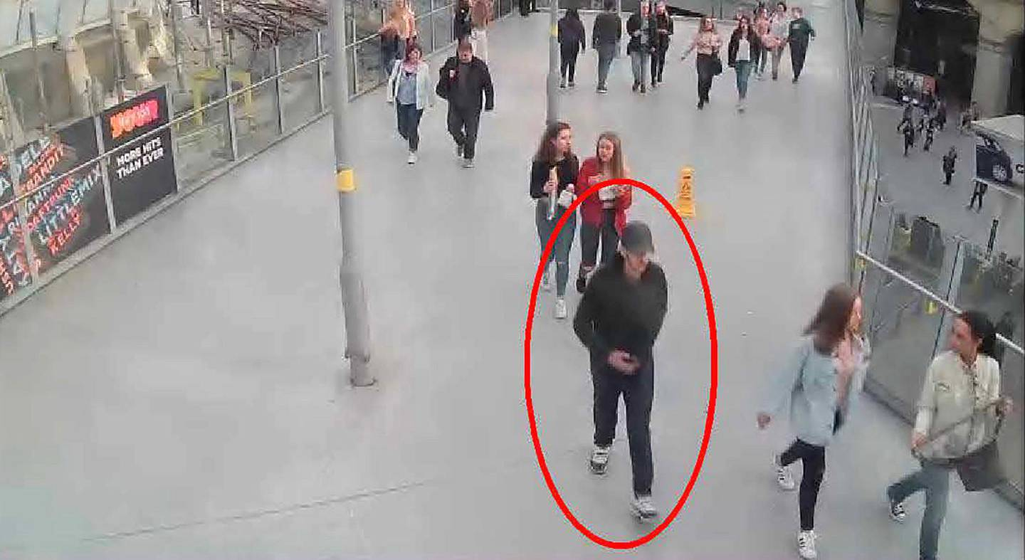 """A handout photo released by the Manchester Arena Inquiry in Manchester, northern England on September 8, 2020, shows suicide bomber Salman Abedi walking from Vitoria Station towards the Manchester Arena on May 22, 2017. - A public inquiry into the May 22, 2017 suicide attack at the Manchester Arena, killing 22 people attending an Ariana Grande concert, by 22 year old Salman Abedi, started this week in Manchester. (Photo by - / Manchester Arena Inquiry / AFP) / RESTRICTED TO EDITORIAL USE - MANDATORY CREDIT """"AFP PHOTO / Manchester Arena Inquiry """" - NO MARKETING - NO ADVERTISING CAMPAIGNS - DISTRIBUTED AS A SERVICE TO CLIENTS"""