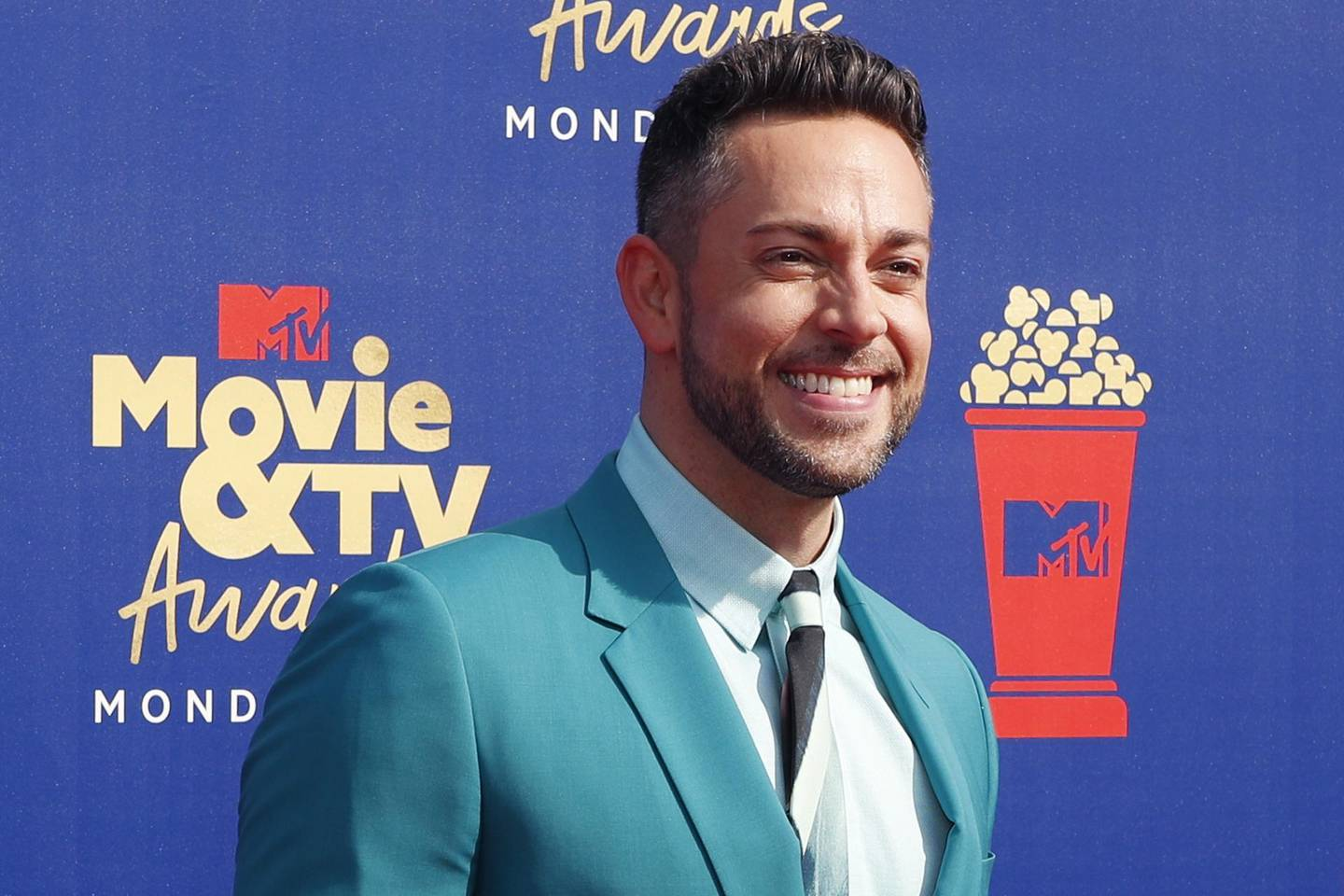 epa07651283 US actor Zachary Levi arrives for the 2019 MTV Movie & TV Awards at the Barker Hangar, Santa Monica, California, USA, 15 June 2019. The movies are nominated by producers and executives from MTV and the winners are chosen online by the general public.  EPA/NINA PROMMER