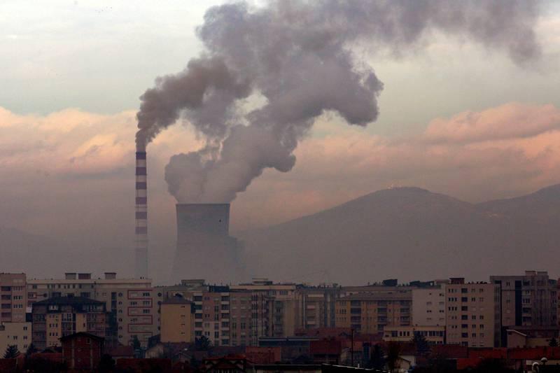 FILE PHOTO: Smoke rises from a coal-fired power plant in Obilic, near Pristina, Kosovo, November 18, 2019. REUTERS/Ognen Teofilovski/File Photo