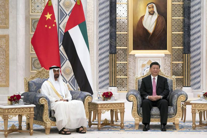 ABU DHABI, UNITED ARAB EMIRATES - July 20, 2018: HH Sheikh Mohamed bin Zayed Al Nahyan Crown Prince of Abu Dhabi Deputy Supreme Commander of the UAE Armed Forces (L), and HE Xi Jinping, President of China (R), witness an MOU exchange ceremony at the Presidential Palace.  ( Mohamed Al Hammadi / Crown Prince Court - Abu Dhabi ) ---
