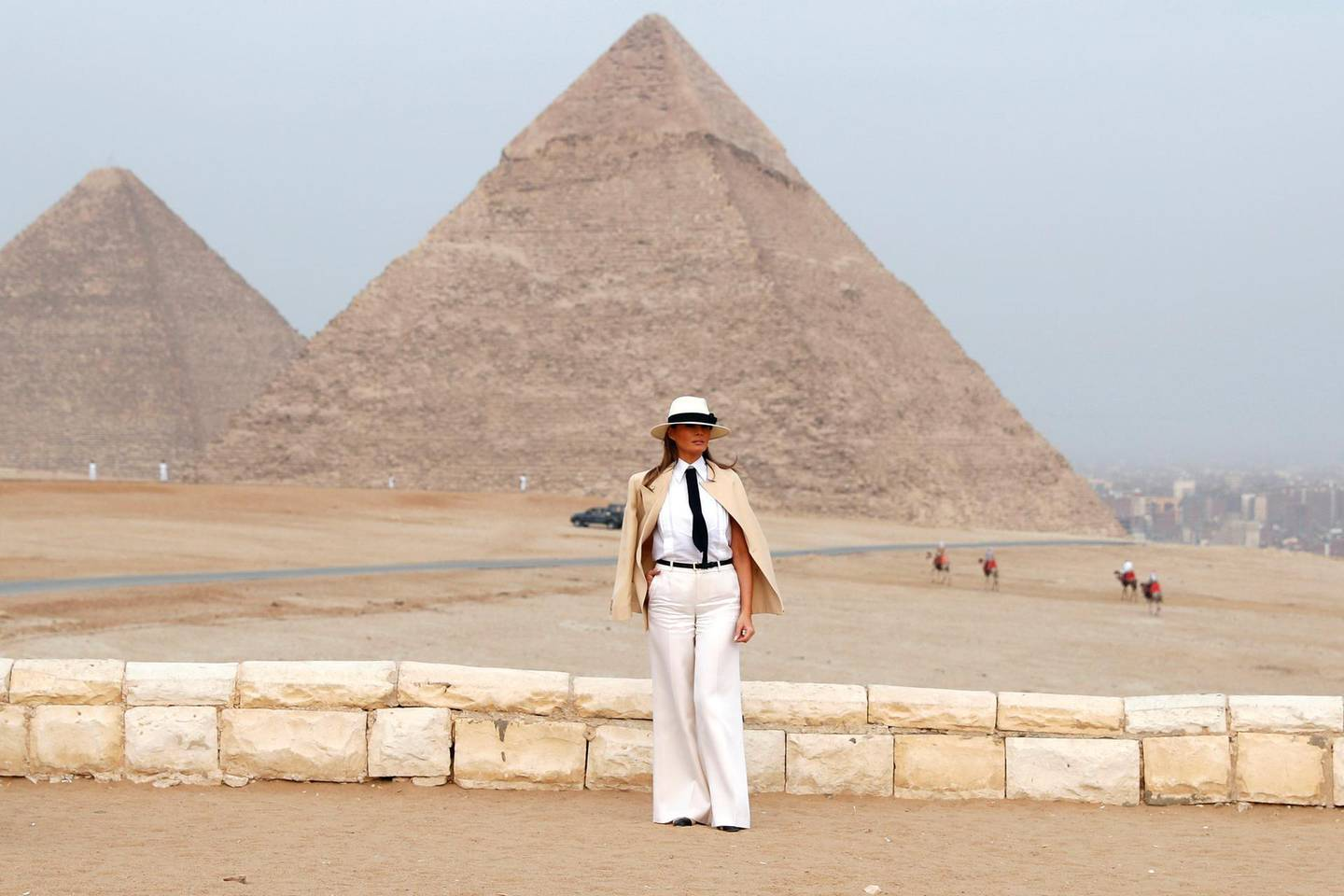 U.S. first lady Melania Trump tours the pyramids of Egypt in Cairo, Egypt, October 6, 2018. REUTERS/Carlo Allegri