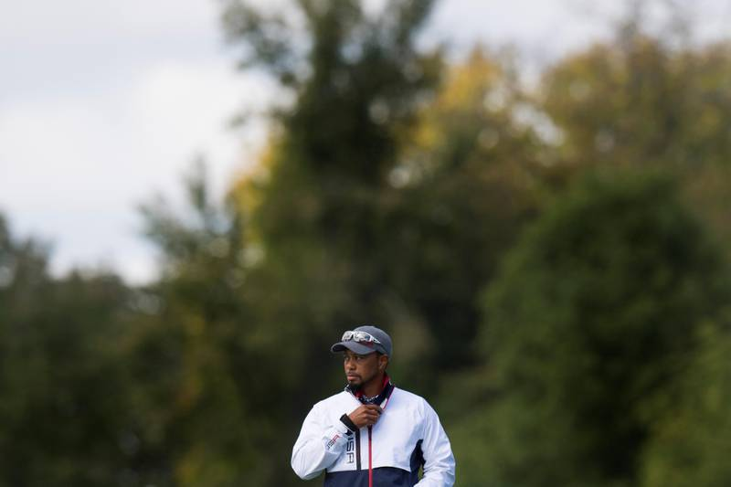 USA's Vice-Captain Tiger Woods looks on during a practice round ahead of the 41st Ryder Cup at Hazeltine National Golf Course in Chaska, Minnesota, September 29, 2016. / AFP PHOTO / JIM WATSON