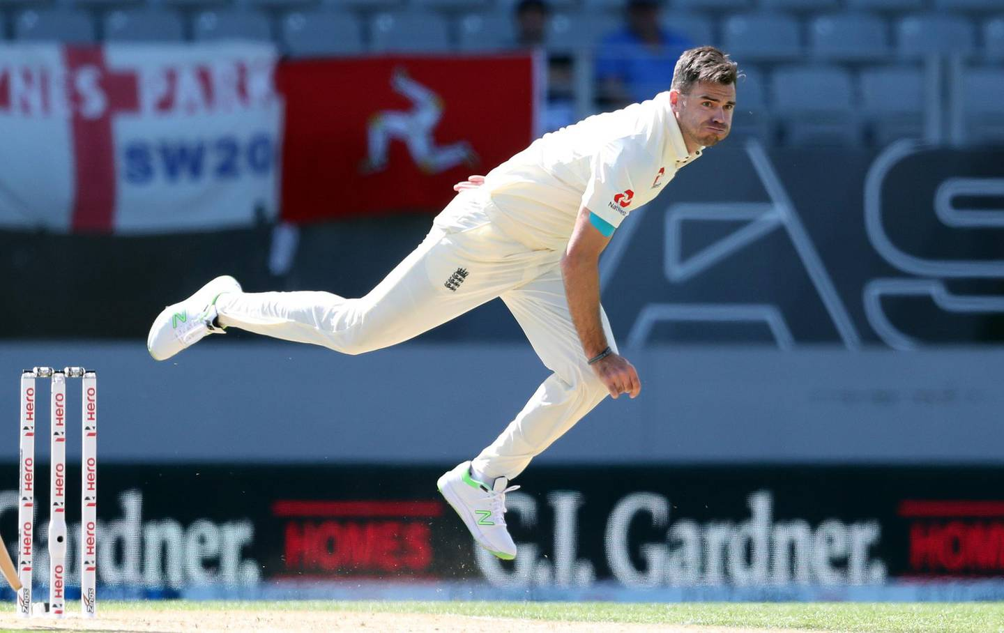 (FILES) In this file photo taken on March 25, 2018 England's James Anderson bowls on the fourth day of the day-night Test cricket match between New Zealand and England at Eden Park in Auckland. James Anderson is to have a six-week break from all cricket in a bid to ensure England's all-time leading Test wicket-taker is fully fit for an upcoming series with India, it was announced on June 10, 2018. / AFP / MICHAEL BRADLEY