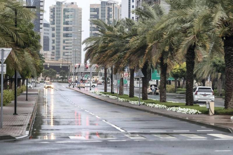 DUBAI, UNITED ARAB EMIRATES. 10 JANUARY 2020. Heavy rains in Dubai during the night had residenst wake up to wet pavements and large water puddles with some areas experiencng mild flooding. The Greens sawa heavy rain that leftthe streets wet. (Photo: Antonie Robertson/The National) Journalist: Standalone. Section: National.