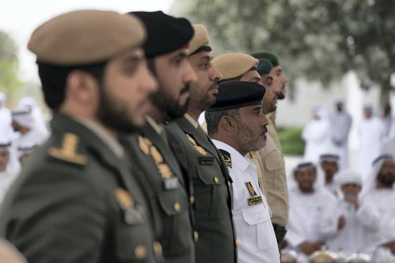 ABU DHABI, UNITED ARAB EMIRATES - April 23, 2018: Members of the UAE Armed Forces who served in Yemen participate in a medal ceremony during a Sea Palace barza.  ( Mohamed Al Hammadi / Crown Prince Court - Abu Dhabi ) ---