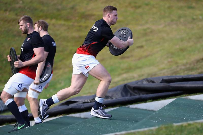 BAGSHOT, ENGLAND - FEBRUARY 02:  Sam Simmonds takes part in sprint training during the England training session held at Pennyhill Park on February 2, 2018 in Bagshot, England.  (Photo by David Rogers/Getty Images)
