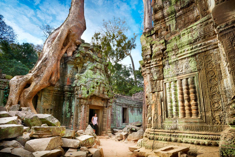 RESIZED F7KTYD Ta Prohm Temple, Angkor, Cambodia, Asia. Jan Wlodarczyk / Alamy Stock Photo