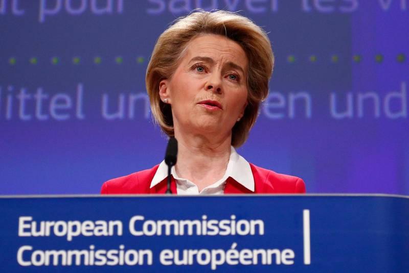 epa08338615 European Commission President Ursula von der Leyen holds a news conference detailing EU efforts to limit economic impact of the coronavirus disease (COVID-19) outbreak, in Brussels, Belgium, 02 April 2020.  EPA/FRANCOIS LENOIR / POOL