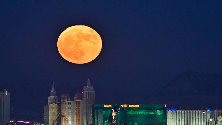 An image that illustrates this article Where and when to watch October's Hunter's Moon in the UAE