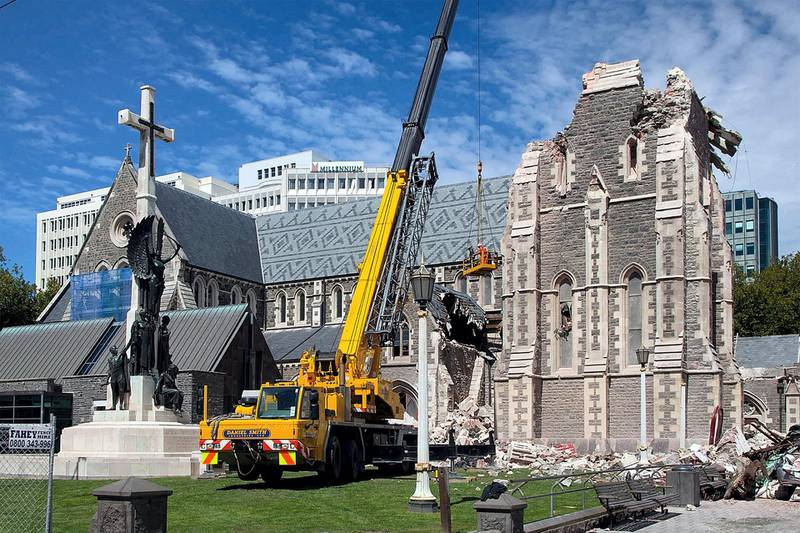 A crane lifting workers up to inspect the damaged Christchurch Cathedral on February 24, 2011, two days after a deadly 6.3 magnitude earthquake rocked New Zealand's second largest city. AFP