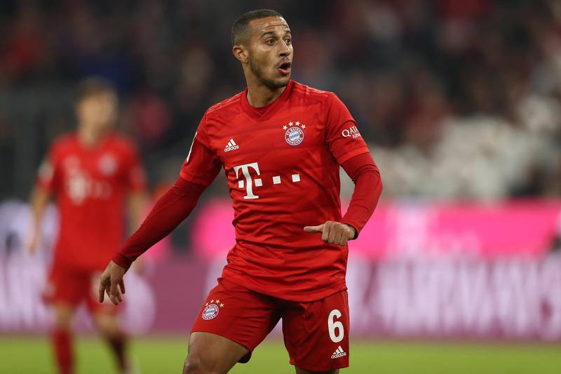MUNICH, GERMANY - NOVEMBER 09: Thiago Alcantara of FC Bayern Muenchen looks on during the Bundesliga match between FC Bayern Muenchen and Borussia Dortmund at Allianz Arena on November 09, 2019 in Munich, Germany. (Photo by Alexander Hassenstein/Bongarts/Getty Images)