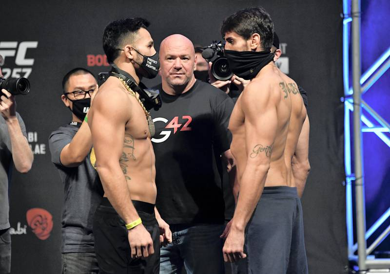 ABU DHABI, UNITED ARAB EMIRATES - JANUARY 22: (L-R) Opponents Brad Tavares and Antonio Carlos Junior of Brazil face off during the UFC 257 weigh-in at Etihad Arena on UFC Fight Island on January 22, 2021 in Abu Dhabi, United Arab Emirates. (Photo by Jeff Bottari/Zuffa LLC) *** Local Caption *** ABU DHABI, UNITED ARAB EMIRATES - JANUARY 22: (L-R) Opponents Brad Tavares and Antonio Carlos Junior of Brazil face off during the UFC 257 weigh-in at Etihad Arena on UFC Fight Island on January 22, 2021 in Abu Dhabi, United Arab Emirates. (Photo by Jeff Bottari/Zuffa LLC)