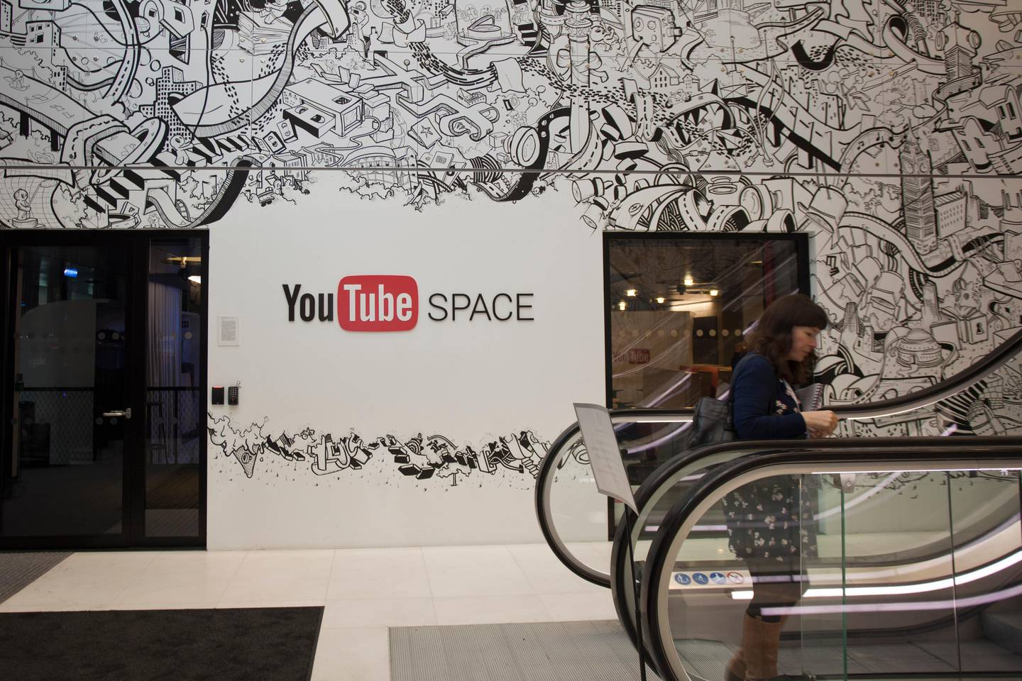 LONDON, UNITED KINGDOM – DECEMBER 12:  Google's YouTube Space, a place where YouTube creators can use the space to learn new skills, connect with other creators and create new content, at the new Google office in King's Cross, London, UK, on December 12, 2016. (Randi Sokoloff for The National)  *** Local Caption ***  RS054-121216-Brandcast.jpg