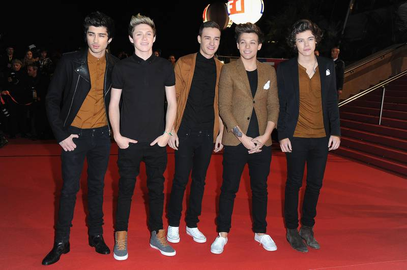 """CANNES, FRANCE - JANUARY 26: (L-R) Menbers of band """"One Direction"""" Zayn Malik, Niall Horan, Liam Payne, Louis Tomlinson and Harry Styles attend the NRJ Music Awards 2013 at Palais des Festivals on January 26, 2013 in Cannes, France.  (Photo by Pascal Le Segretain/Getty Images)"""