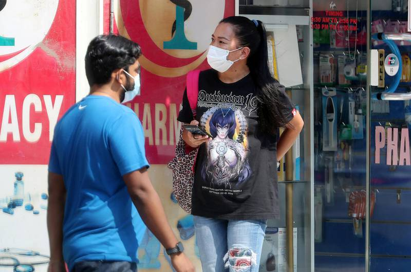 DUBAI, UNITED ARAB EMIRATES , October 9 – 2020 :- People wearing protective face mask as a preventive measure against the spread of coronavirus in Al Satwa area in Dubai. (Pawan Singh / The National) For News/Stock/Online.