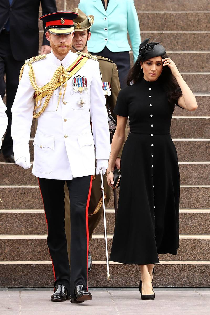SYDNEY, AUSTRALIA - OCTOBER 20:  Prince Harry, Duke of Sussex and Meghan, Duchess of Sussex take a tour alongside The Governor of New South Wales David Hurley and his wife Linda Hurley as they attend the Official opening of ANZAC Memorial at Hyde Park on October 20, 2018 in Sydney, Australia. The Duke and Duchess of Sussex are on their official 16-day Autumn tour visiting cities in Australia, Fiji, Tonga and New Zealand.  (Photo by Ryan Pierse/Getty Images)