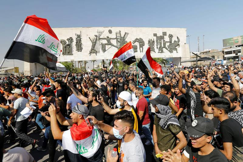 Demonstrators gather during an anti-government protest in Baghdad, Iraq May 25, 2021. REUTERS/Thaier Al-Sudani